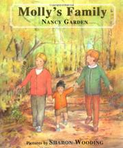 MOLLY'S FAMILY by Nancy Garden