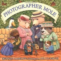 PHOTOGRAPHER MOLE
